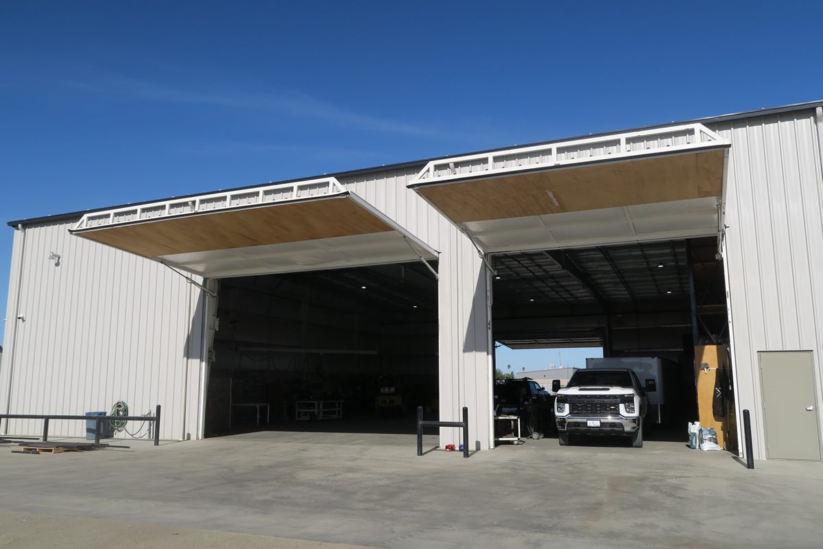 Contractor HQ With Five Doors